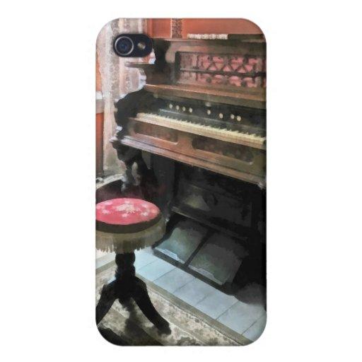 Órgano con el taburete del punto pequeno iPhone 4/4S fundas
