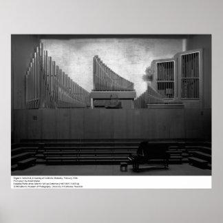 Órgano en Hertz Pasillo, Uc Berkeley, 1966 Póster
