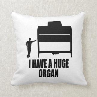 Órgano enorme almohadas