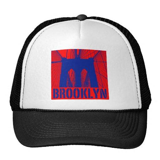 Orgullo 2 de la silueta del puente de Brooklyn Gorros