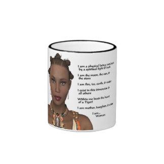 Orgullo afroamericano de la mujer taza de dos colores