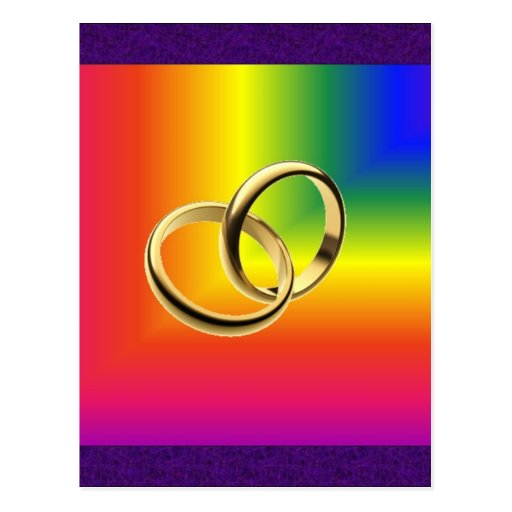 Orgullo del arco iris con las alianzas de boda del postales