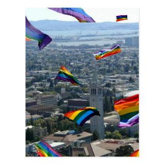 Orgullo del arco iris sobre Berkeley Tarjeta Postal