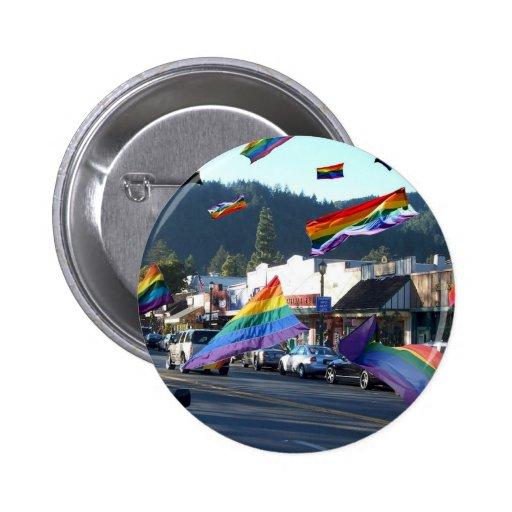 Orgullo del arco iris sobre Guerneville/el río rus Pin Redondo 5 Cm
