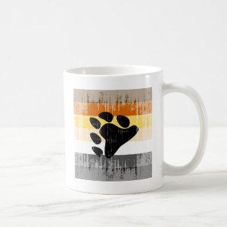 Orgullo del oso del vintage taza básica blanca