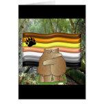 Orgullo del oso en las maderas felicitacion