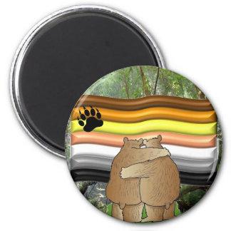 Orgullo del oso en las maderas imán redondo 5 cm