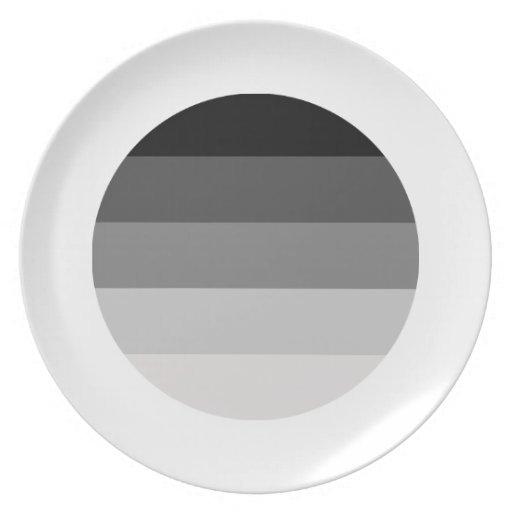 Orgullo recto redondo plato