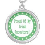Orgulloso de mi collar irlandés de los antepasados