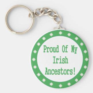 Orgulloso de mis antepasados irlandeses llavero redondo tipo pin