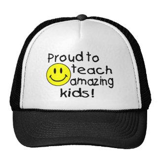 Orgulloso enseñar a sorprender gorras