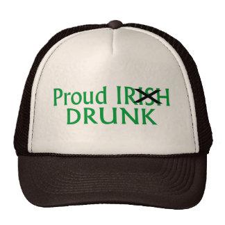 Orgulloso irlandés orgulloso bebido gorras de camionero