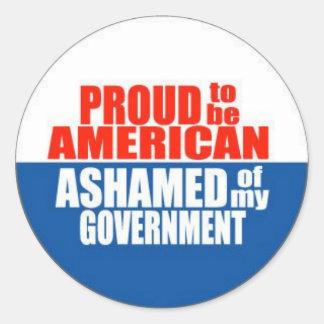 Orgulloso ser un americano pegatina redonda