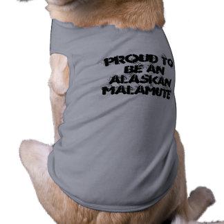 ORGULLOSO SER una camisa del perro del MALAMUTE DE Camiseta De Perrito