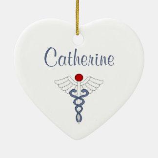 Orgulloso ser una enfermera/personalice el nombre adorno de navidad