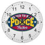 Orgulloso ser una policía engendre relojes de pared