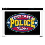 Orgulloso ser una policía engendre portátil calcomanía