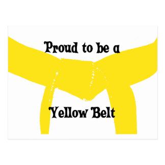 Orgulloso ser una postal amarilla de la correa