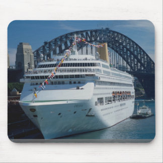 Oriana passenger liner on its maiden voyage, harbo mousepad