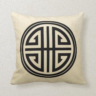 Oriental Ornamental Long Life Symbol | wheat black Throw Pillow