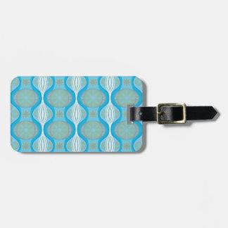 original Retro Daisy pattern in Blue Luggage Tag
