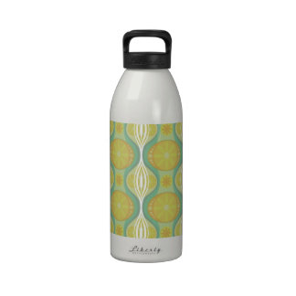 Original Retro Daisy pattern in Green Reusable Water Bottle