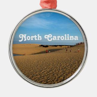 Orilla de Carolina del Norte Adorno Redondo Plateado