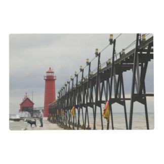 Orilla de los E.E.U.U., Michigan, el lago Salvamanteles