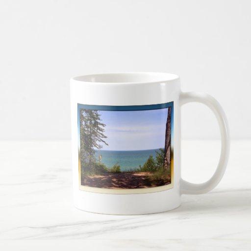 Orilla del lago Superior Tazas