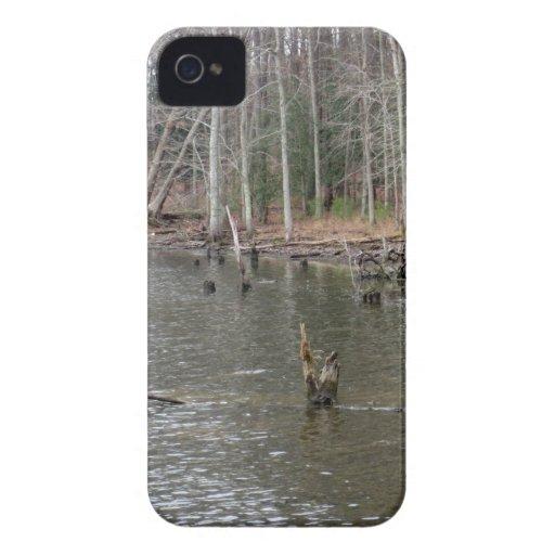 Orilla del río iPhone 4 Case-Mate carcasas