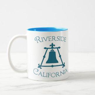Orilla, diseño de California Raincross Fleur Taza De Café