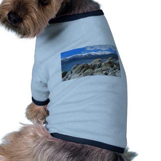 Orilla el lago Tahoe de Boulder Camisetas Mascota