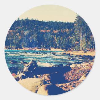 Orillas rocosas del lago Superior Etiquetas Redondas