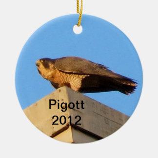 Ornamento 2012 de Pigott Adorno Navideño Redondo De Cerámica
