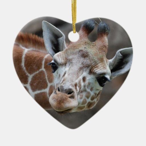 Ornamento adorable de la jirafa adorno navideño de cerámica en forma de corazón