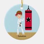 Ornamento adorable del muchacho del karate ornamentos de reyes