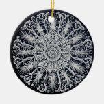 Ornamento afiligranado del medallón del Victorian Adorno Para Reyes