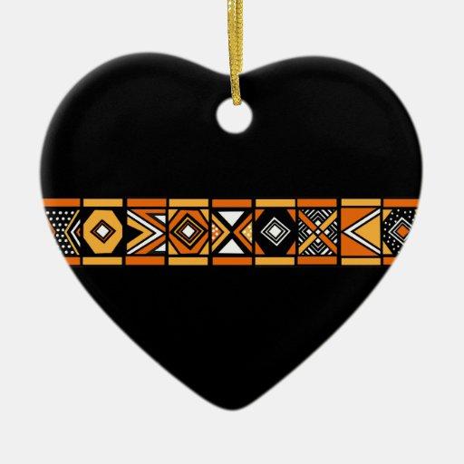 Ornamento africano del modelo adorno de cerámica en forma de corazón