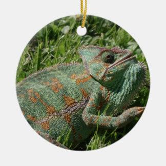 Ornamento agresivo del camaleón ornamento para arbol de navidad