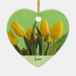 Ornamento amarillo de los tulipanes