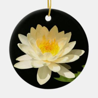 Ornamento amarillo de Waterlily Adorno Para Reyes