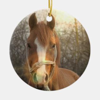 Ornamento árabe del caballo de la castaña ornamentos de navidad