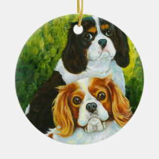 Ornamento arrogante del navidad del perro de aguas adorno redondo de cerámica