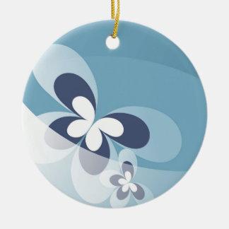 Ornamento azul del navidad de la mariposa adorno navideño redondo de cerámica