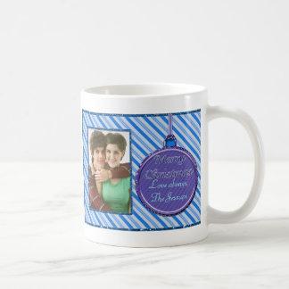 Ornamento azul del navidad del bastón de caramelo tazas de café