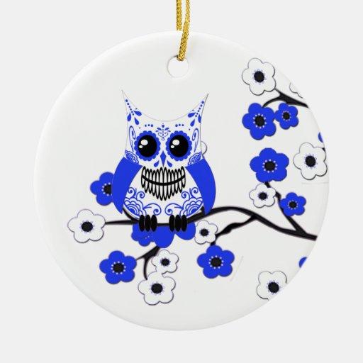 Ornamento blanco azul del búho de Blosssoms de la  Ornamentos De Navidad