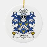 Ornamento blanco del escudo de la familia ornato