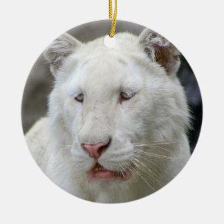 Ornamento blanco raro del tigre adorno navideño redondo de cerámica
