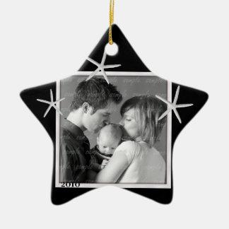 Ornamento blanco y negro del marco de la foto ornamentos de navidad