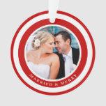 Ornamento casado y feliz de la foto del día de